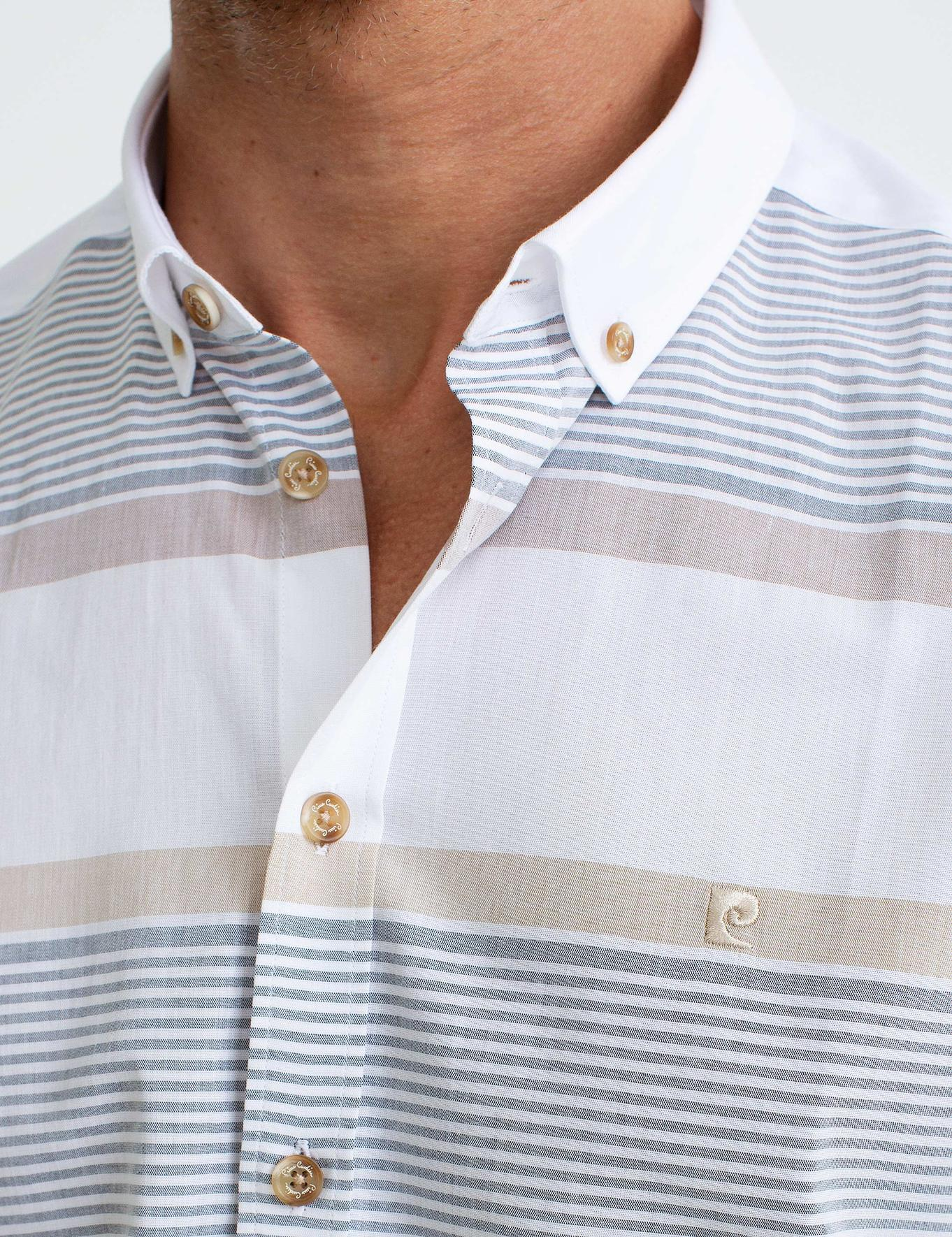 Turuncu Detaylı Beyaz Slim Fit Kısakol Gömlek