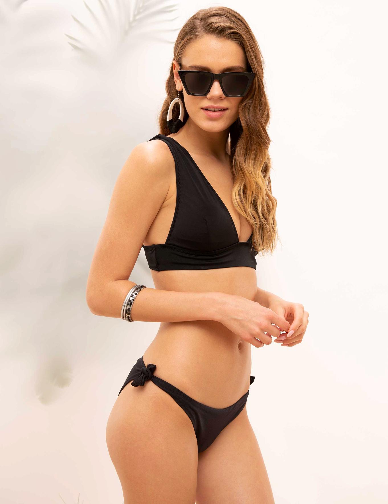 Siyah Bikini Alt