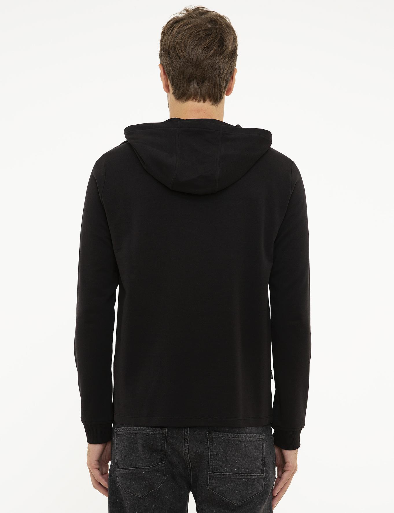 Siyah Standart Fit Sweatshirt