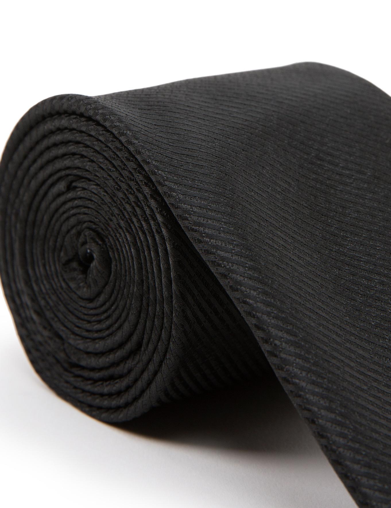 Siyah Kravat