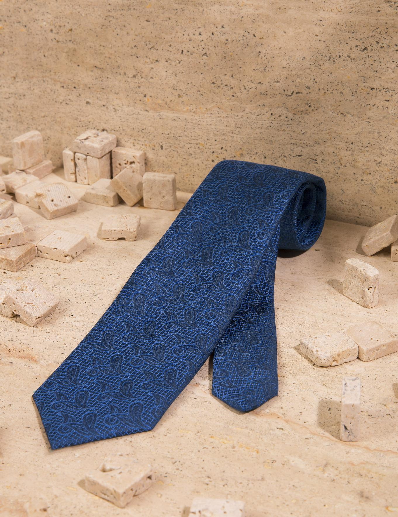 Mavi Kravat