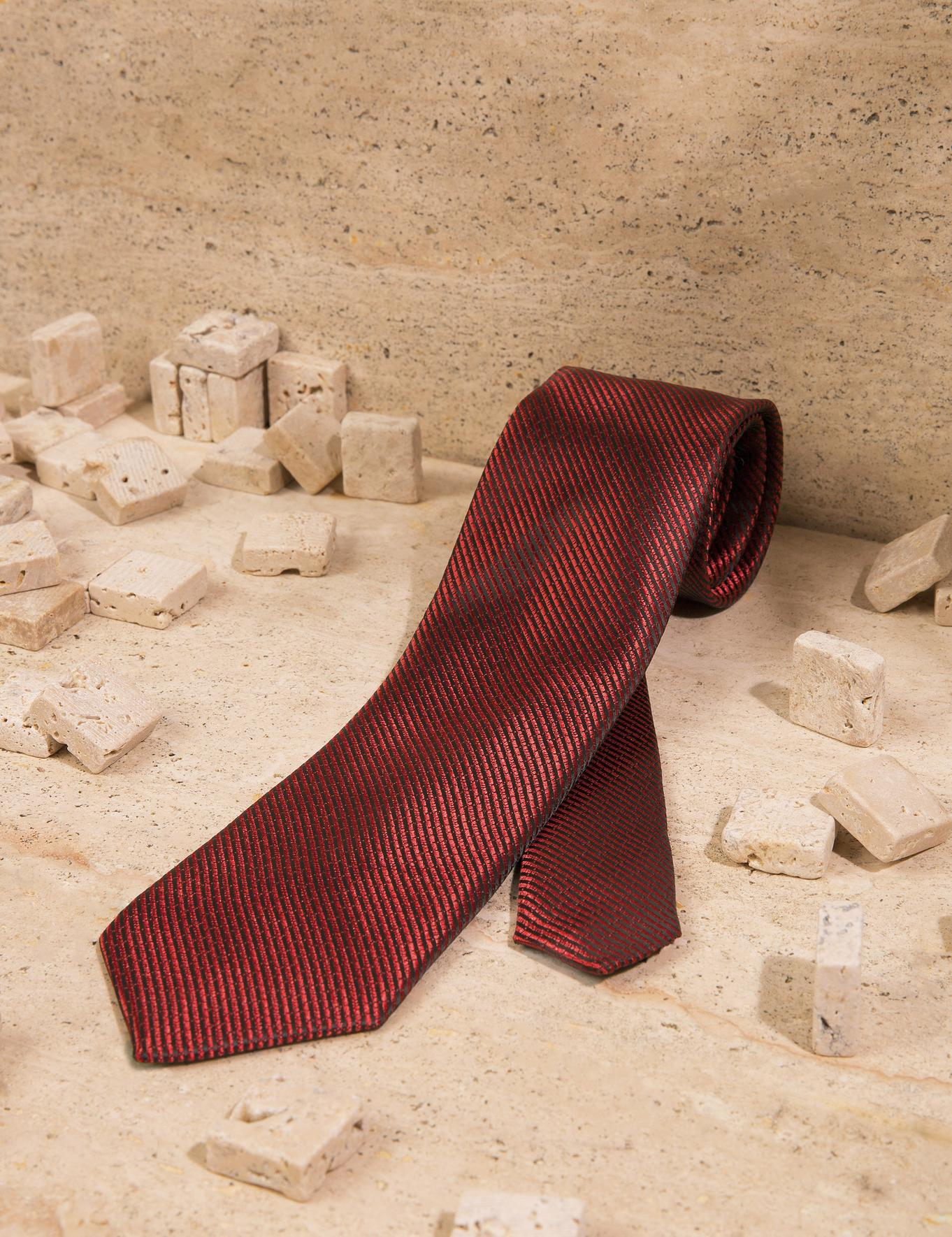 Kırmızı Kravat