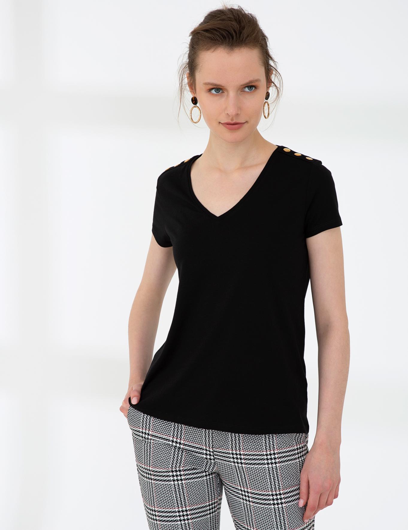 Siyah Standart Fit V Yaka T-Shirt