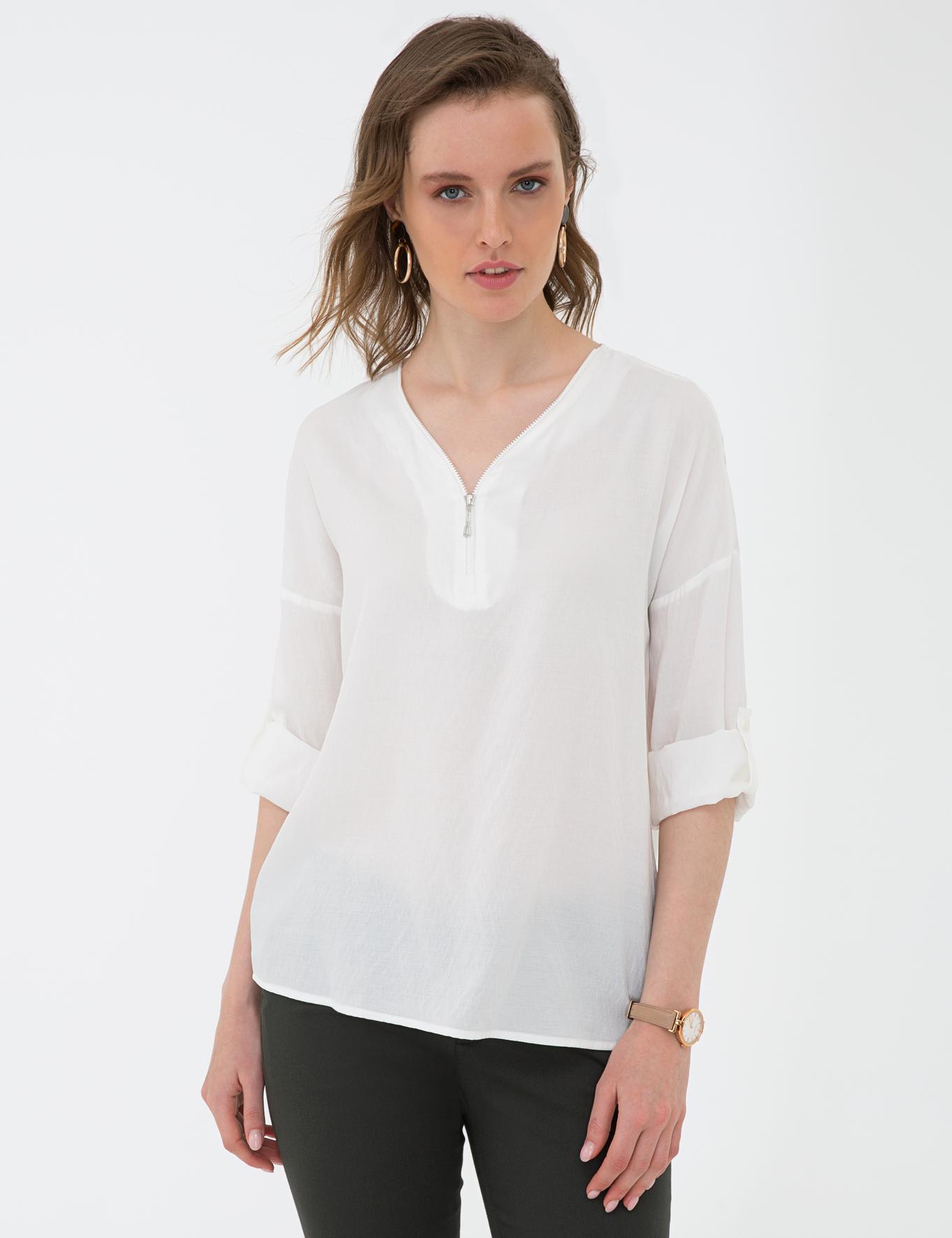 Beyaz Comfort Fit V Yaka Gömlek